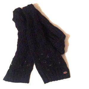 Roxy knit scarf